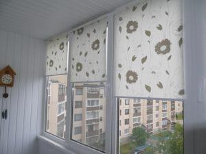 Установка рулонных штор на пластиковые окна в Туле